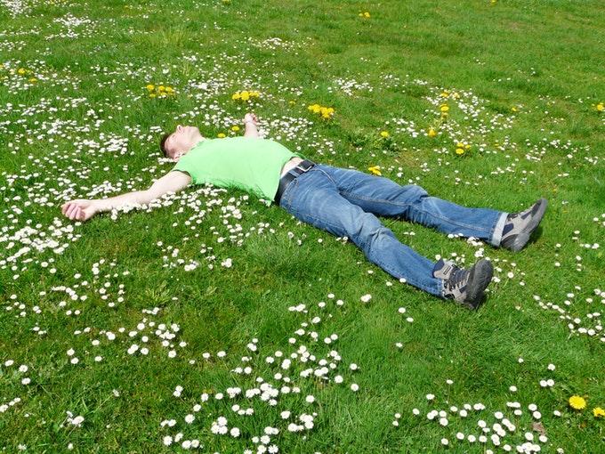 筋トレ後すぐ寝るっていいの?効果的に筋肉を鍛えるための睡眠方法